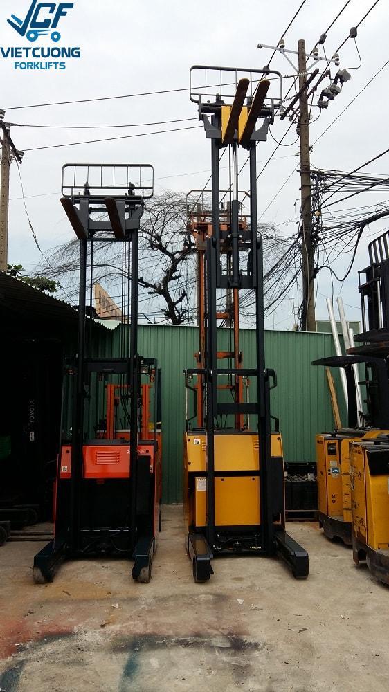 Xe Nâng Điện Đứng Lái Komatsu FB15RL-12-88332